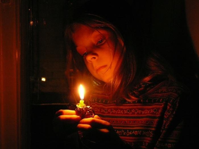 картинки слезы при свечах
