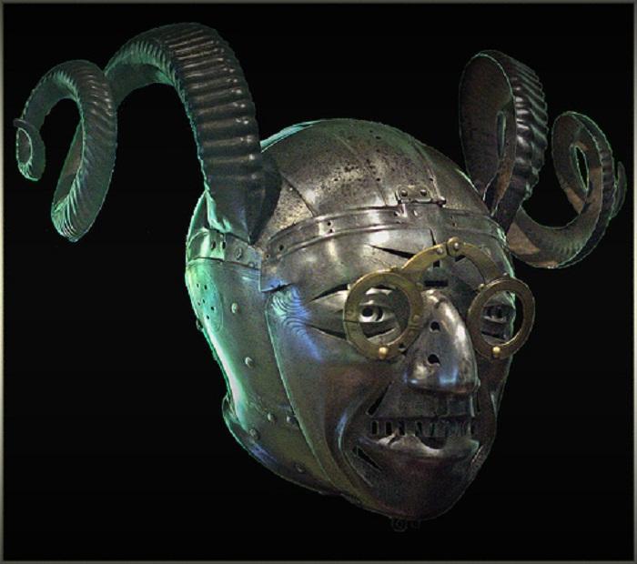 «Рогатый» шлем короля Генриха VIII.